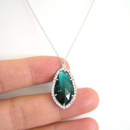 Emerald Green Teardrop Necklace Cry..