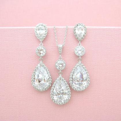 Bridal Clear Crystal Earrings Lux C..