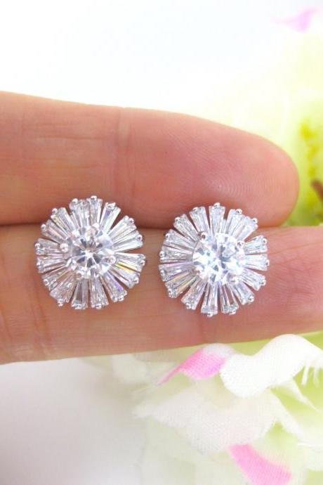 Sunburst Baguette Cubic Zirconia Stud Earrings Bridal Crystal Earrings Bridesmaid Gift Wedding Jewelry Diamond Stimulant Stone (E053)